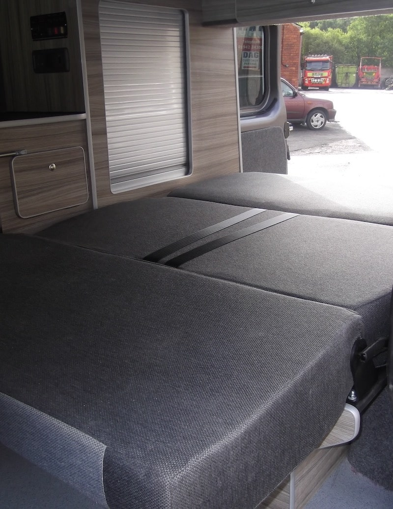Renault Trafic Bed